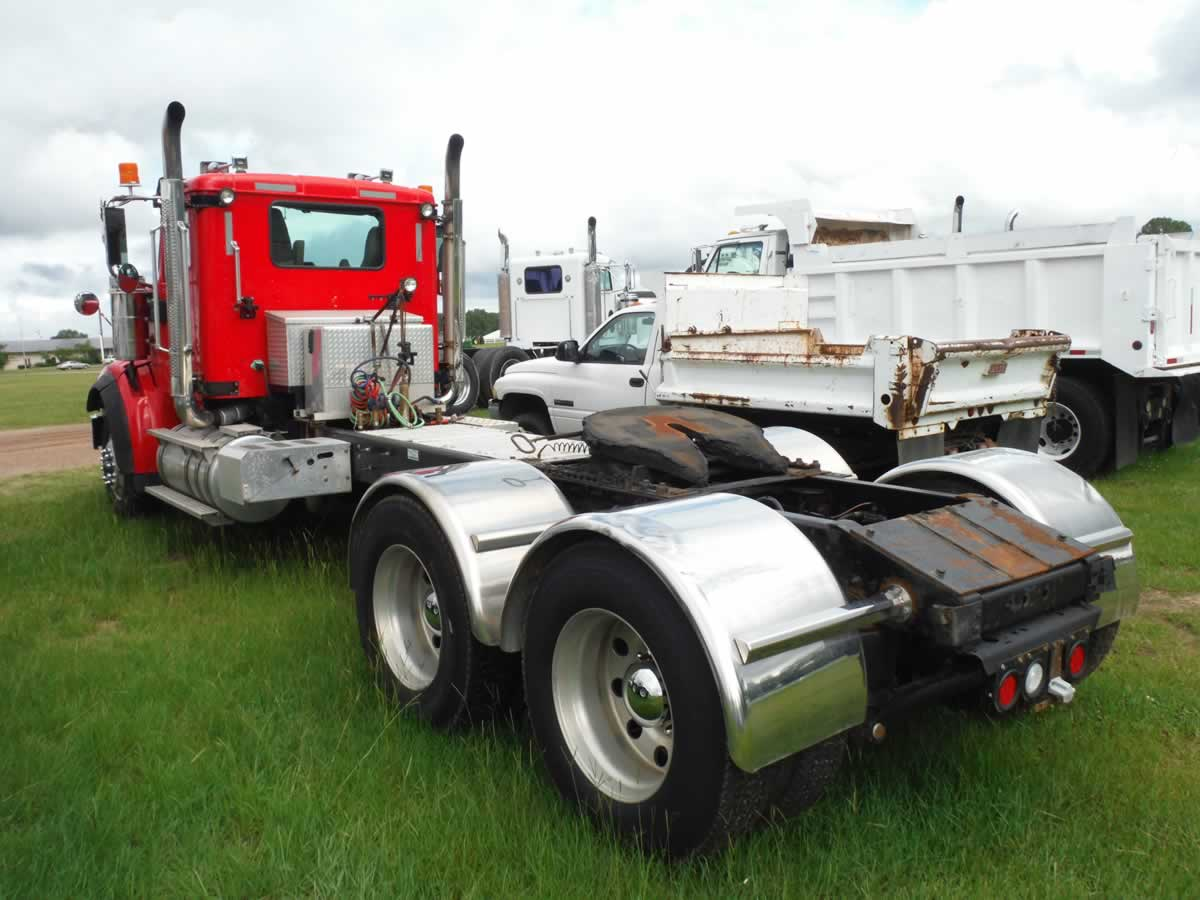 "... s/n 1HSNUSMT7DJ610124: Cat C15 Diesel, EF 18-sp., Eng. Brake, Dbl Diff  Lock, A/R Susp., 16K Front, 46K Rears, 248"" WB, Alum. Wheels, Dual Line Wet  Kit, ..."