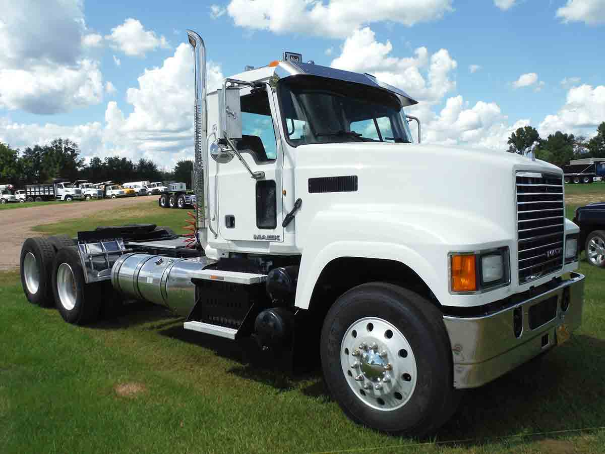 Deanco Auctions 2012 Volvo Vn Wiring Harness Mack Chu613 Truck Tractor S N 1m1an07yxcm011036 Rebuilt Title T A Day Cab Mp8 Eng Fuller 13 Sp Wet Kit 310k Mi